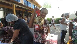 Famílias assistidas pela Cidade da Luz recebem doação para ceia de Natal