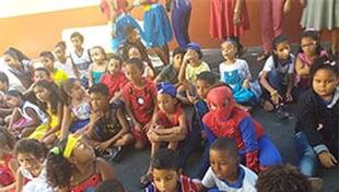 """Escola Carlos Murion - ECM realizou hoje, (08/10), pela manhã e à tarde, """"oficinas de resgate de brincadeiras infantis"""" para seus alunos."""