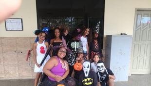 Hoje, a Carlos Murion está comemorando o Halloween, uma atividade relacionada à cultura inglesa, seus símbolos e significados.